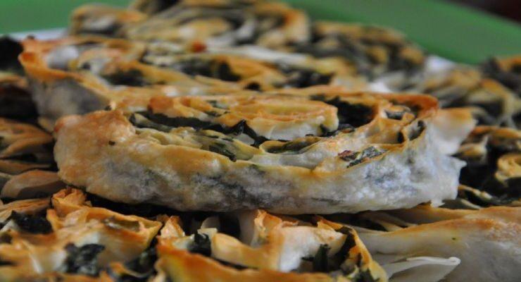 Mantarlı ıspanaklı börek nasıl yapılır? Mantarlı ıspanaklı börek tarifi