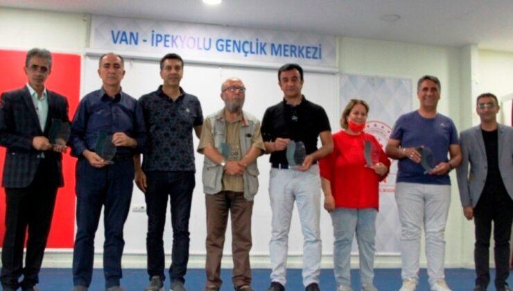 Şehr-i Van'a Şiir Yakışır'da dereceye girenler ödüllendirildi