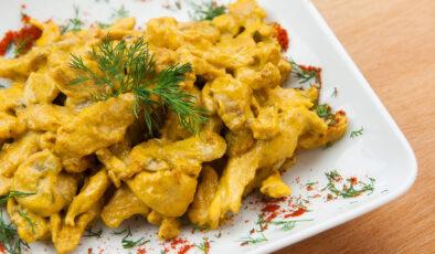 Köri soslu tavuk nasıl yapılır? Köri soslu tavuk tarifi