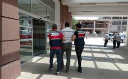Adıyaman'da teröristlere kıyafet temin eden eski öğretmen tutuklandı