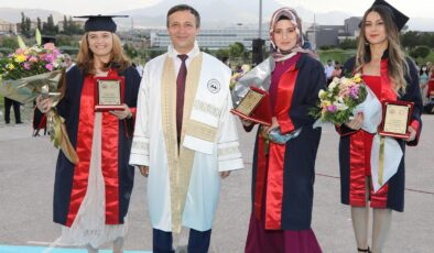 ERÜ Spor Bilimleri Fakültesi 27. Dönem mezunlarını verdi
