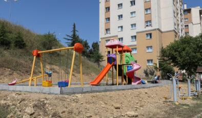 Kocaeli İzmit'te parklara bakım sürüyor