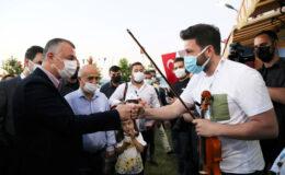 Kocaeli Büyükşehir yerel müzisyenlere desteği sürdürüyor