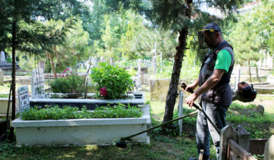 Sakarya'da mezarlıklarda bayram temizliği yapıldı