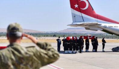 Şehit askerlerin naaşı Gaziantep'ten memleketlerine uğurlandı