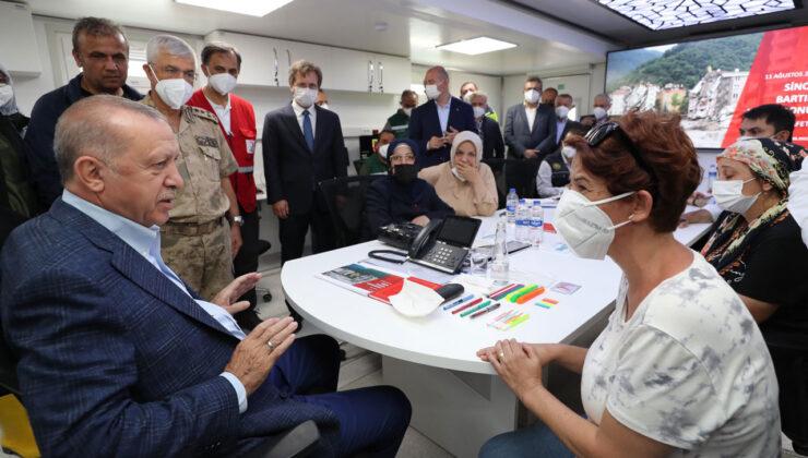 Erdoğan, Kastamonu Bozkurt'ta sel felaketinden etkilenen vatandaşları dinledi