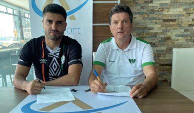 Mamak FK transferde durmuyor
