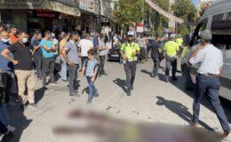 Okul servisi yayaya çarptı: 1 ölü